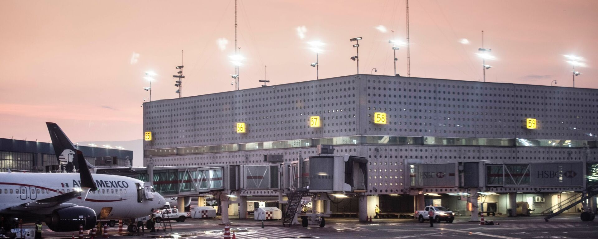 Aeropuerto Internacional de Ciudad de México - Sputnik Mundo, 1920, 10.08.2021
