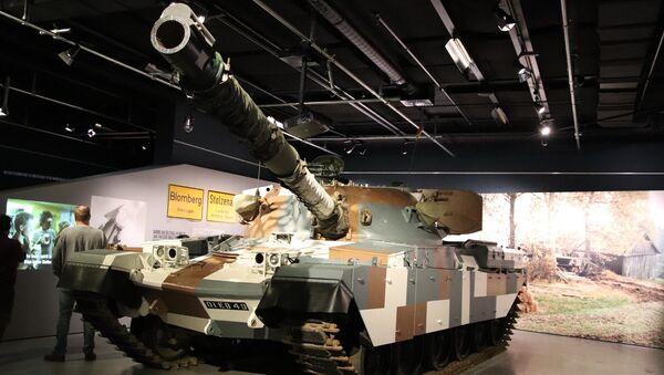 El tanque británico Chieftain (archivo) - Sputnik Mundo