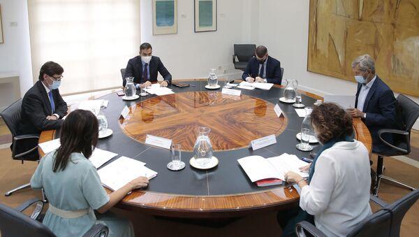 Pedro Sánchez preside la reunión del Comité de Seguimiento del Coronavirus - Sputnik Mundo