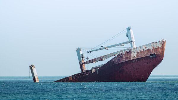 Un buque abandonado (imagen referencial) - Sputnik Mundo
