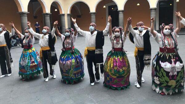 Estampas Mexicanas del Ballet Folclórico Auiani Yoli, con motivo de 210 años de la Independencia de México (15 de septiembre de 1810). Presentación con sana distancia en Casa de la Cultura de Puebla. Domingo 13 de septiembre. - Sputnik Mundo