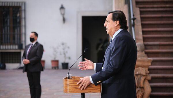 Ministro del Interior, Víctor Pérez, informando del acuerdo con camioneros - Sputnik Mundo
