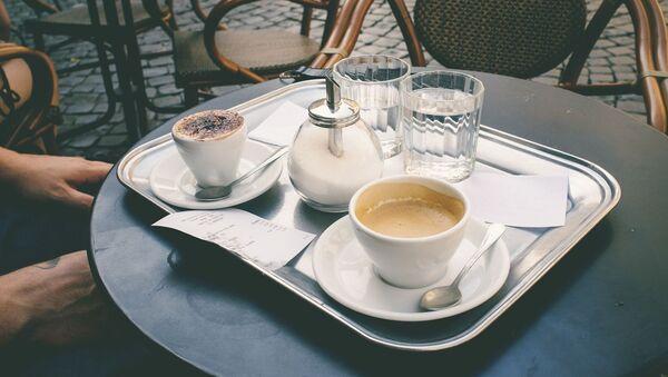 Imagen referencial de la terraza de una cafetería - Sputnik Mundo