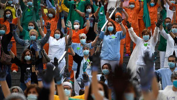 Protesta de sanitarios en Madrid - Sputnik Mundo