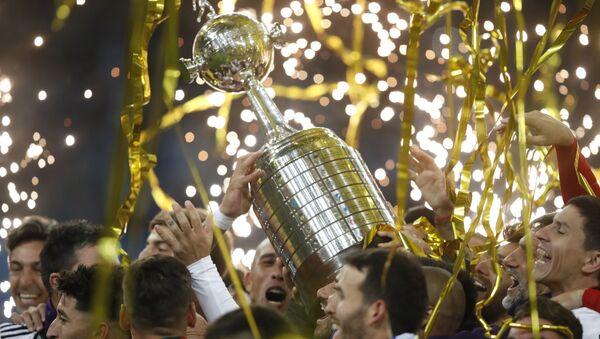 Futbolistas de River Plate de Argentina celebran la obtención de la Copa Libertadores en 2018 - Sputnik Mundo