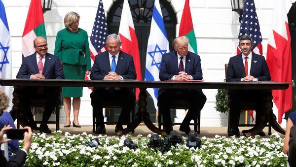 Bahréin y EAU firman acuerdos de paz con Israel en la Casa Blanca, EEUU - Sputnik Mundo