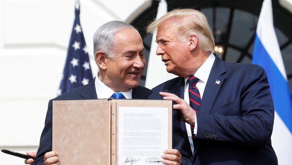 Primer ministro israelí, Benjamín Netanyahu, y presidente de EEUU, Donald Trump - Sputnik Mundo