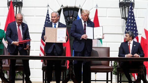 Firma de los acuerdos entre Israel, Emiratos Árabes y Bahréin en la Casa Blanca, EEUU - Sputnik Mundo