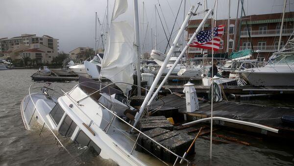 Consecuencias del paso del huracán Sally en Pensacola (Florida), el 17 de septiembre de 2020 - Sputnik Mundo