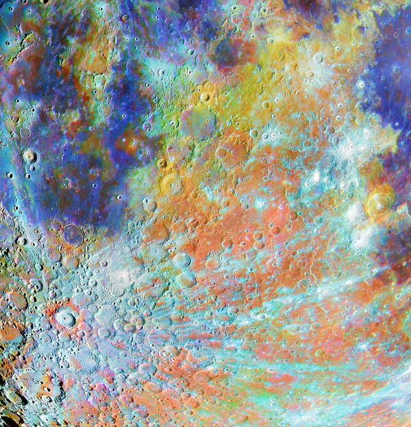 La foto 'Tycho Crater Region with Colours' ('La región del cráter Tycho, en color'), del fotógrafo francés Alain Paillou, ganador en la categoría 'Our Moon'.  - Sputnik Mundo