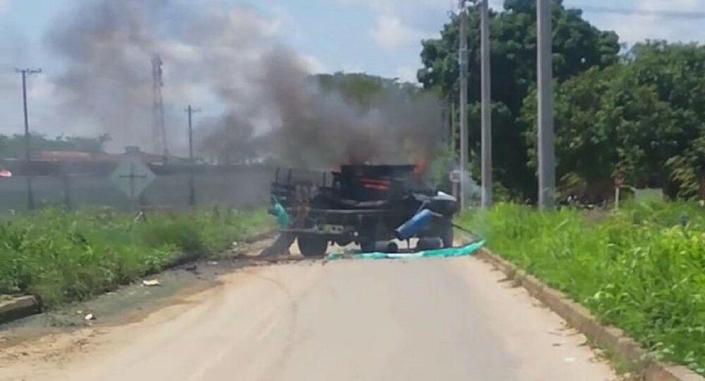 Explosión de un carro bomba en Arauquita, Colombia