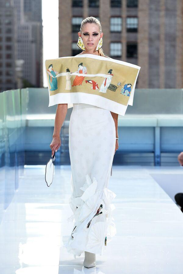 Los atuendos más extravagantes de la Semana de la Moda de Nueva York   - Sputnik Mundo