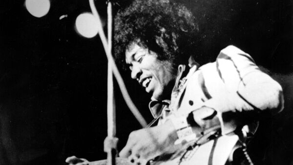 Jimi Hendrix, guitarrista y cantante estadounidense - Sputnik Mundo