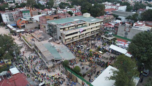 El colegio Rébsamen, destruido por el terremoto en la Ciudad de México - Sputnik Mundo