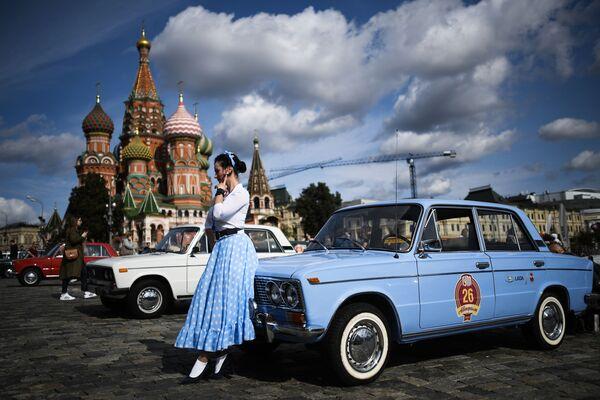 Un viaje a través del tiempo en Moscú y mucho más en las fotos de la semana - Sputnik Mundo