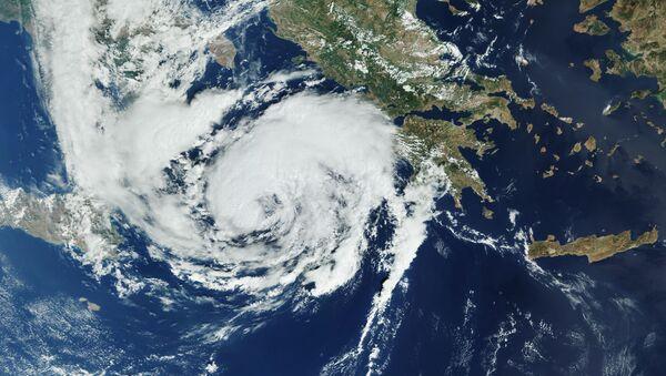 El ciclón mediterráneo Ianós, imagen satelital - Sputnik Mundo