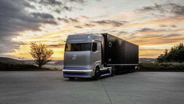 GenH2, el camión de Mercedes Benz propulsado por hidrógeno  - Sputnik Mundo