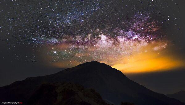 Estos son los lugares más espectaculares para observar un cielo estrellado   - Sputnik Mundo