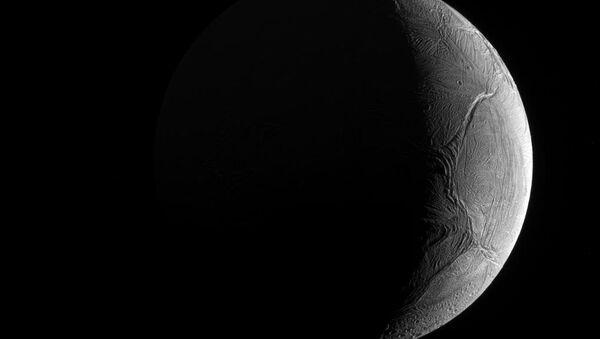 Encélado, una de las lunas de Saturno - Sputnik Mundo