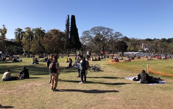 Llegada de la primavera y Día del estudiante en los Bosques de Palermo, Buenos Aires - Sputnik Mundo
