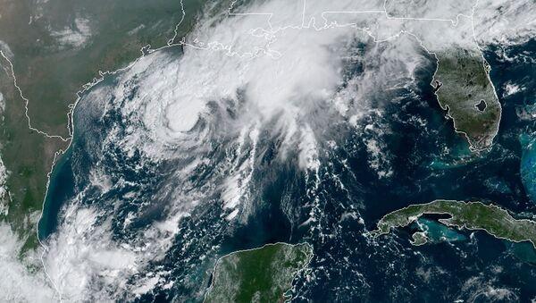 La tormenta tropical Beta en el Golfo de México - Sputnik Mundo