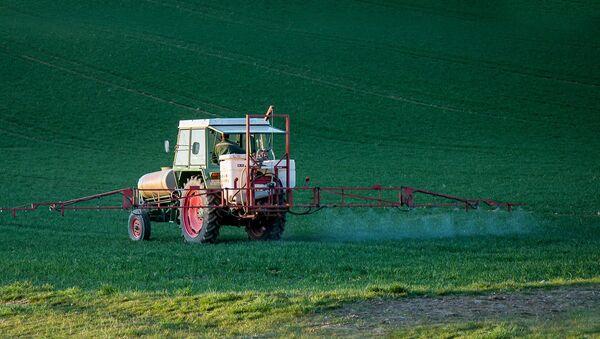 Pesticida. Plaguicida. Imagen referencial - Sputnik Mundo