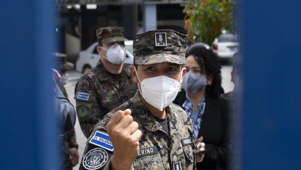 El ministro de Defensa de El Salvador, contralmirante René Merino - Sputnik Mundo