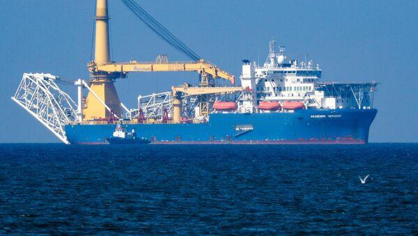Un buque ruso involucrado en la construcción del gasoducto Nord Stream 2 - Sputnik Mundo