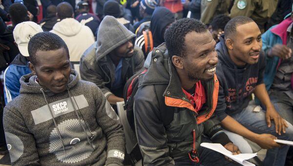 Migrantes haitianos en Santiago, Chile - Sputnik Mundo