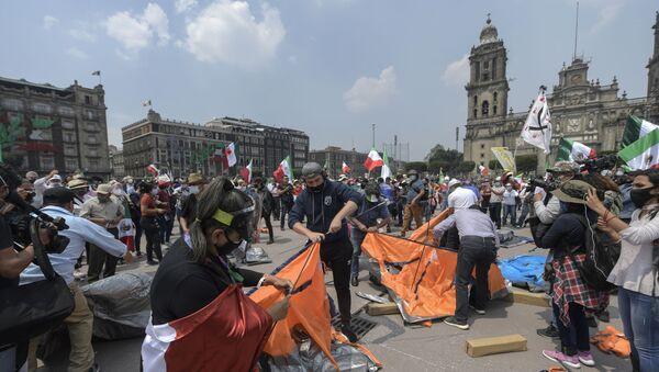 El plantón instalado por el grupo opositor FRENAAA en el Zócalo de la Ciudad de México el 23 de septiembre de 2020 - Sputnik Mundo
