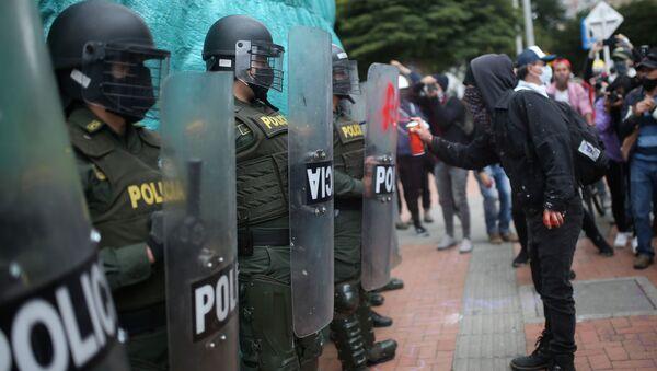 Protestas contra la violencia policial en Bogotá (archivo) - Sputnik Mundo