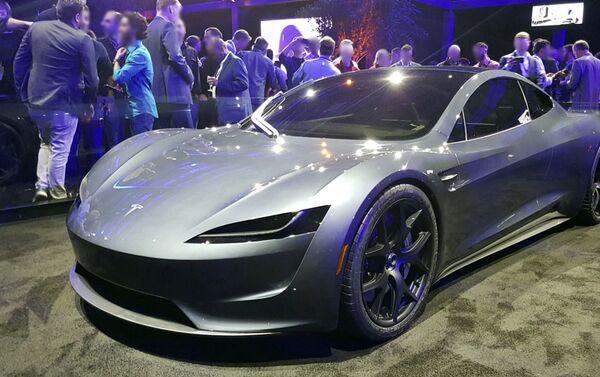 Un Tesla Roadster 2020 - Sputnik Mundo