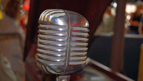 Micrófono antiguo - Sputnik Mundo