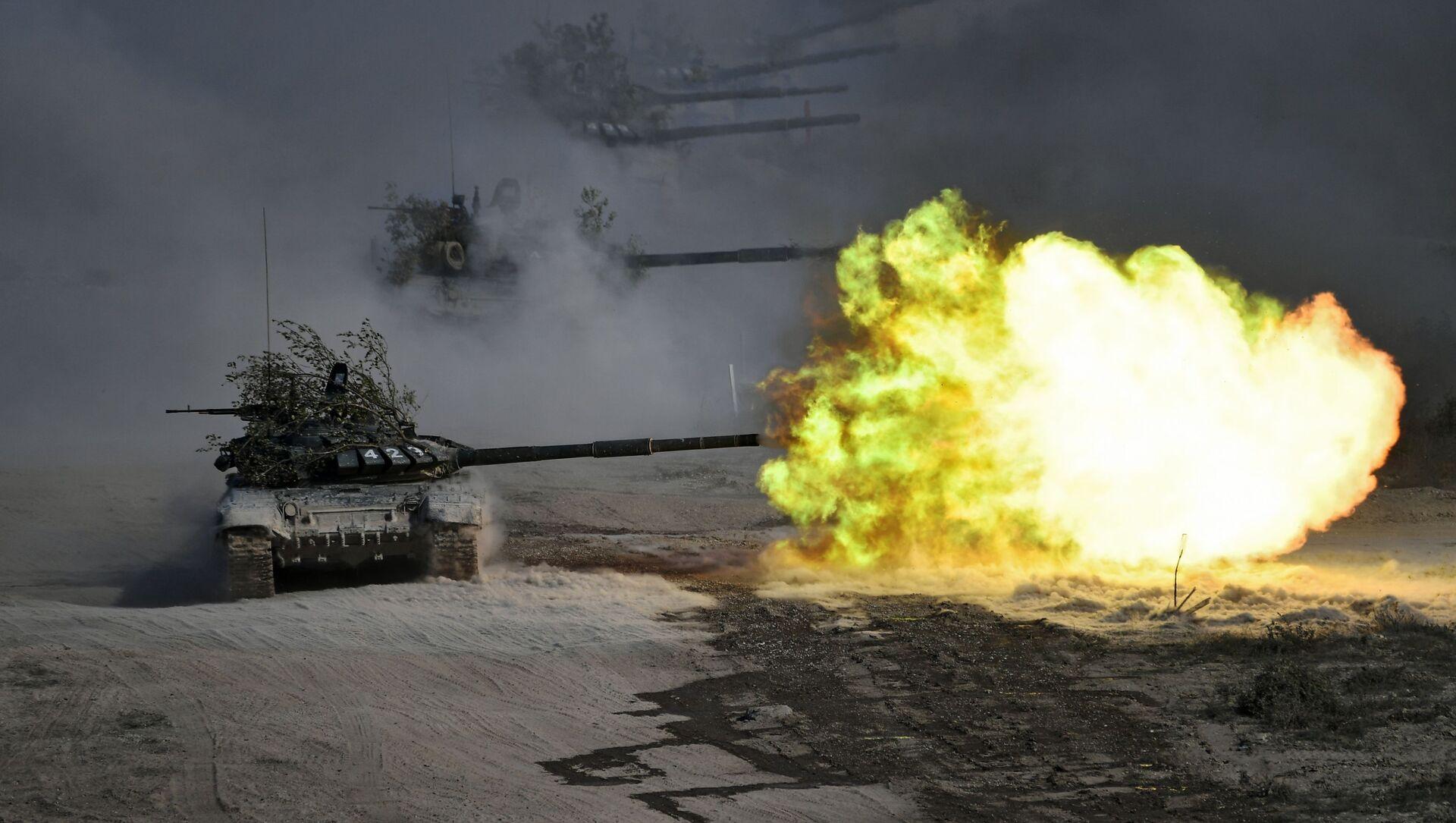 Los tanques T-72 (imagen referencial) - Sputnik Mundo, 1920, 30.09.2020