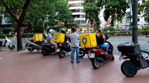 Un grupo de 'riders' en Valencia (España) - Sputnik Mundo