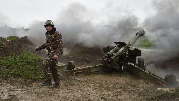 Una brigada de artillería en el conflicto de Nagorno Karabaj (archivo) - Sputnik Mundo