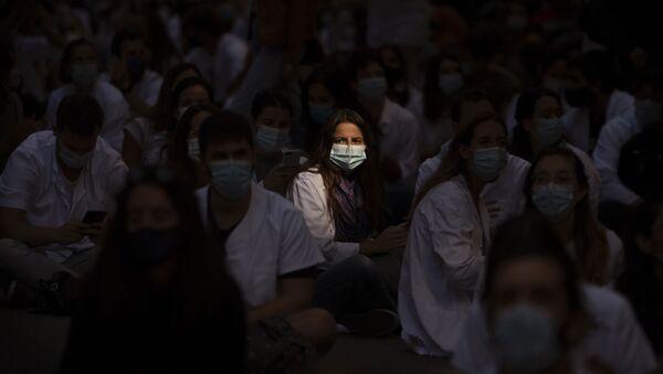 Médicos residentes protestan en Barcelona. 28 de septiembre de 2020 - Sputnik Mundo