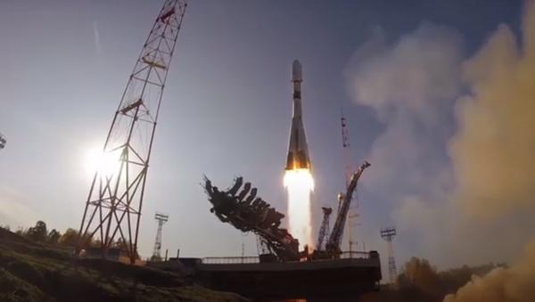 Cohete portador Soyuz-2.1b despega desde el cosmódromo ruso Plesetsk - Sputnik Mundo