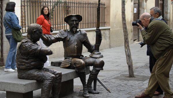 Monumento a Don Quijote y Sancho Panza en Alcalá de Henares (Madrid) - Sputnik Mundo