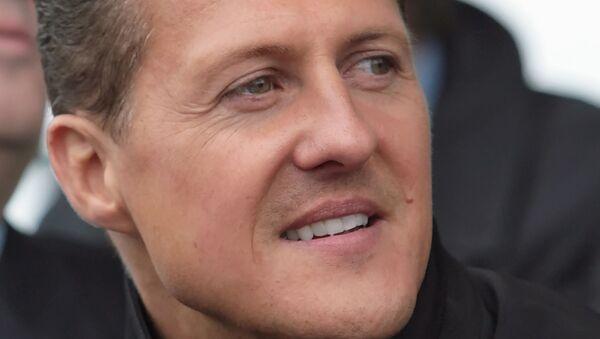 Michael Schumacher, expiloto de Fórmula 1, durante una visita a Rusia en 2008 - Sputnik Mundo