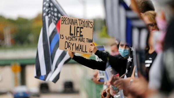 Protestas contra la condena por la muerte de Breonna Taylor en EEUU - Sputnik Mundo