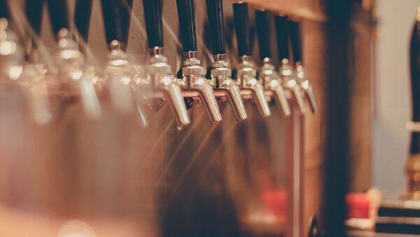 Imagen referencial de una cervecería - Sputnik Mundo