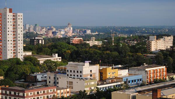 La ciudad brasileña de Foz de Iguazú y la ciudad paraguaya de Ciudad del Este (a distancia) - Sputnik Mundo