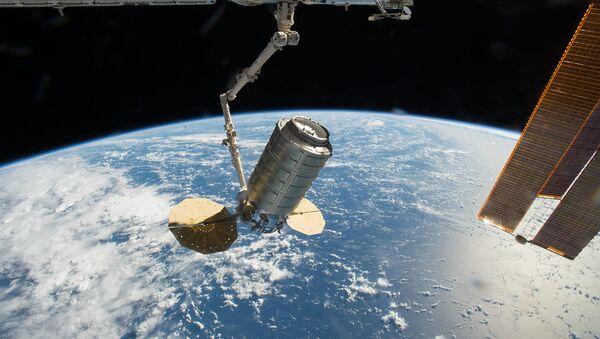 El carguero espacial Cygnus en la EEI - Sputnik Mundo