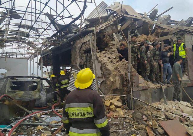 Consecuencias del bombardeo de la ciudad azerí de Ganyá