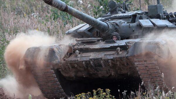 Un tanque del Ejército azerí - Sputnik Mundo