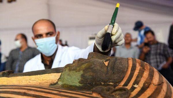 Uno de los sarcófagos hallados en Egipcio - Sputnik Mundo