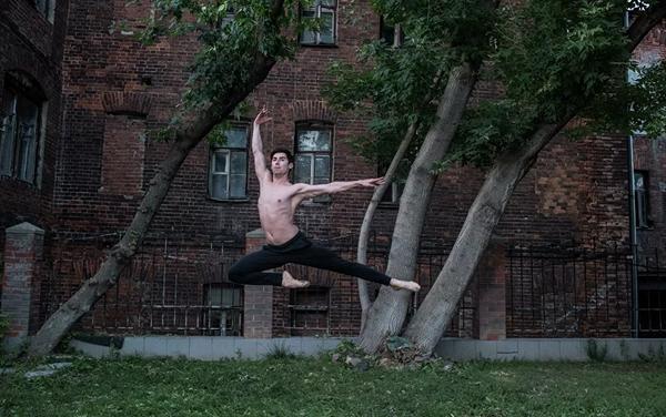 Foto de Valeri Mélnikov presentada en la exposición 'Ballet y arquitectura' - Sputnik Mundo