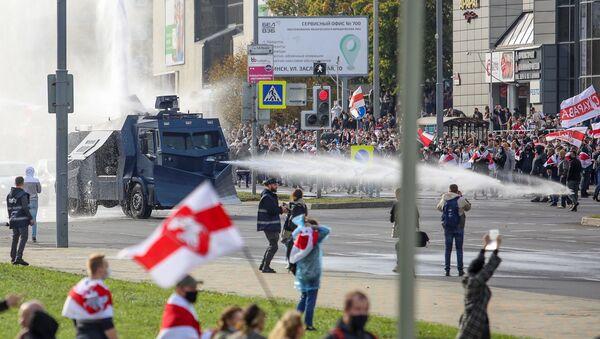 Protestas en Minsk, Bielorrusia, el 4 de octubre de 2020 - Sputnik Mundo