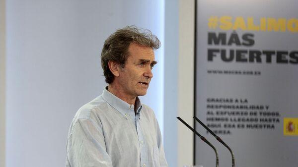 Intervención de Fernando Simón, director del Centro de Coordinación de Alertas y Emergencias Sanitarias en una rueda de prensa - Sputnik Mundo